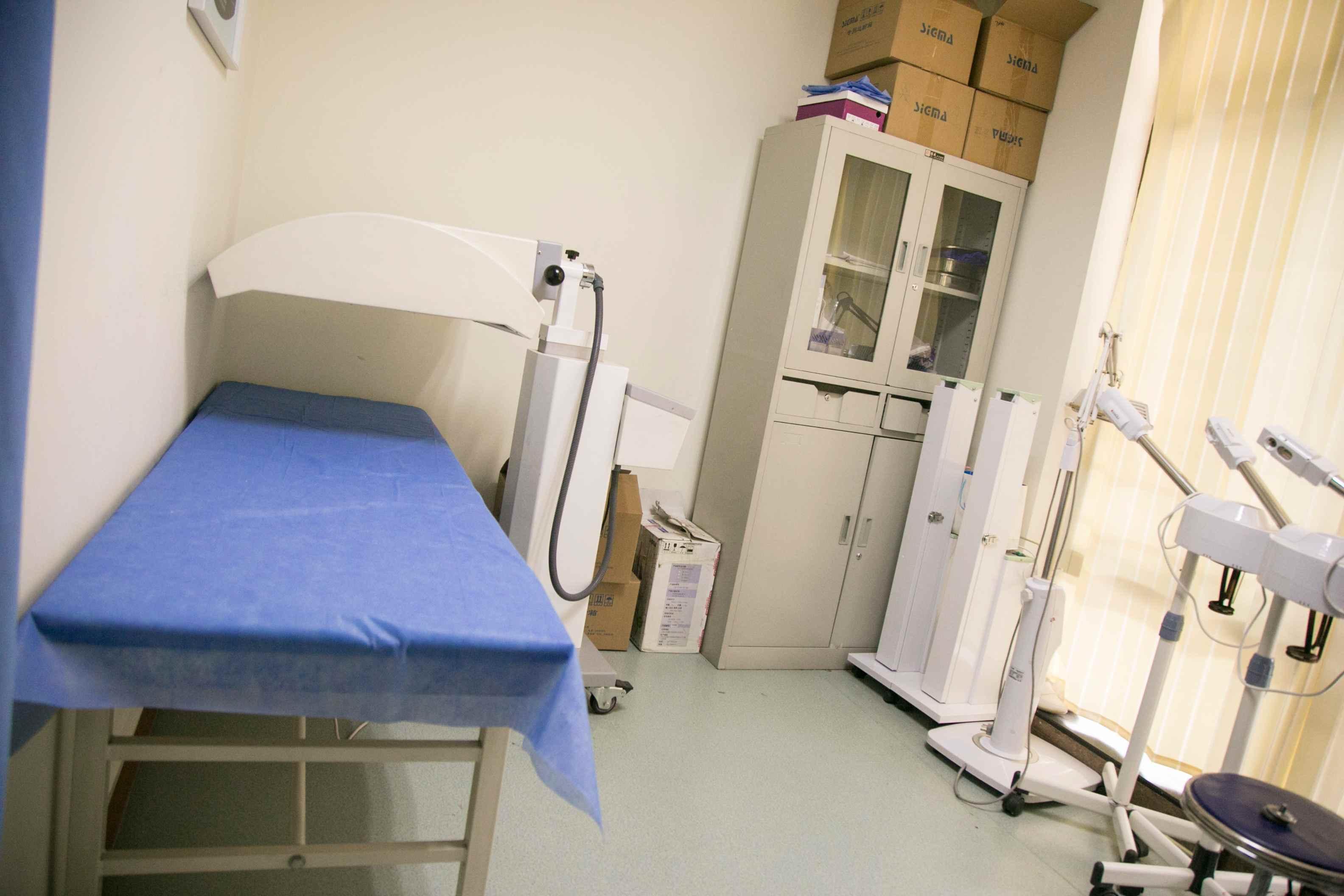 荷兰UV311光疗室